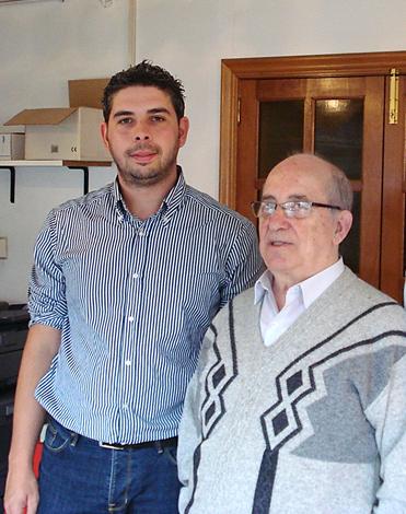 Imaxe 4: O mestre Rogelio Groba durante unha entrevista co autor. (Fonte: Arquivo do autor)
