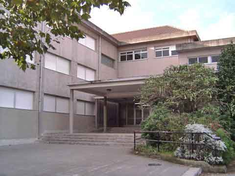 Entrada principal edificio 1